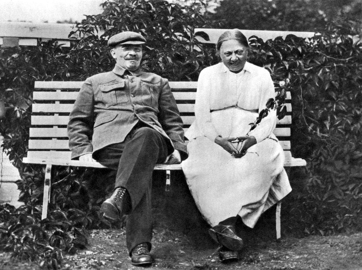 Nadezhda-Krupskaya-s-muzhem-Leninym