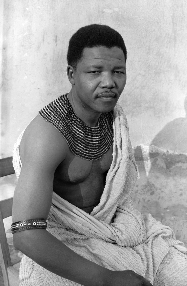 Nelson-Mandela-v-molodosti