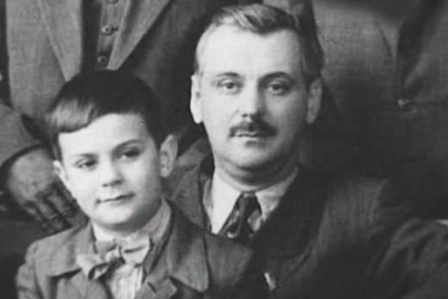 Nikita-Mihalkov-v-detstve-s-ottsom