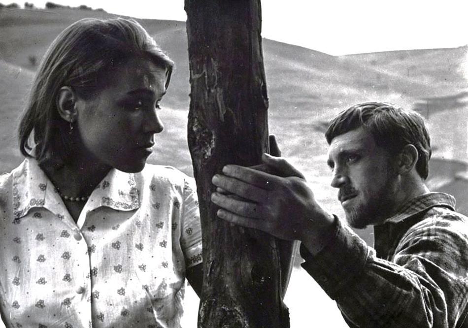 Nina-Ruslanova-i-Vladimir-Vysotskij-v-filme-Korotkie-vstrechi