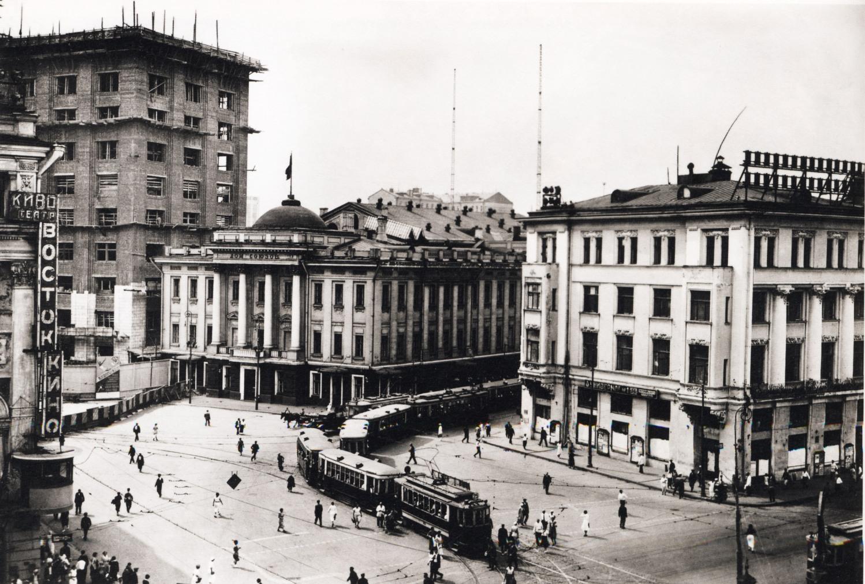 Ohotnyiy-ryad-1934-Foto-Sovetskoy-Moskvyi