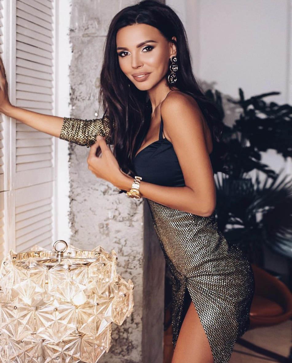 Oksana-Samojlova-1