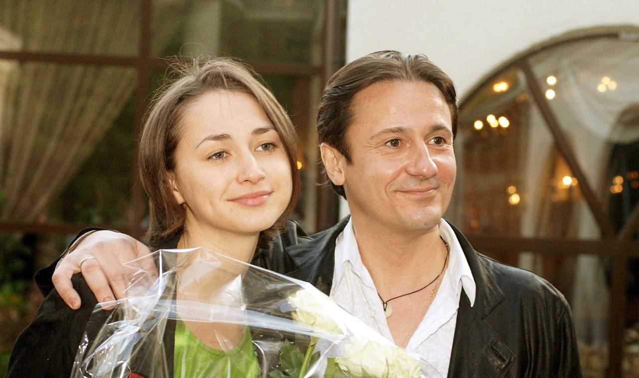 Oleg-Menshikov-i-ego-zhena-Anastasiya-CHernova