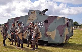 Самые первые танки в мире