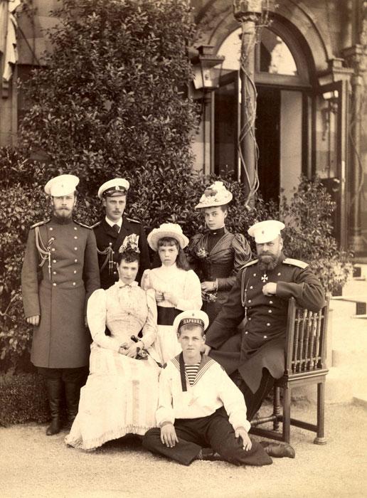 Poslednyaya-semeynaya-fotografiya-Livadiya-may-1893