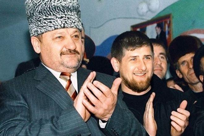 Ramzan-Kadyrov-s-ottsom-Ahmadom-Kadyrovym