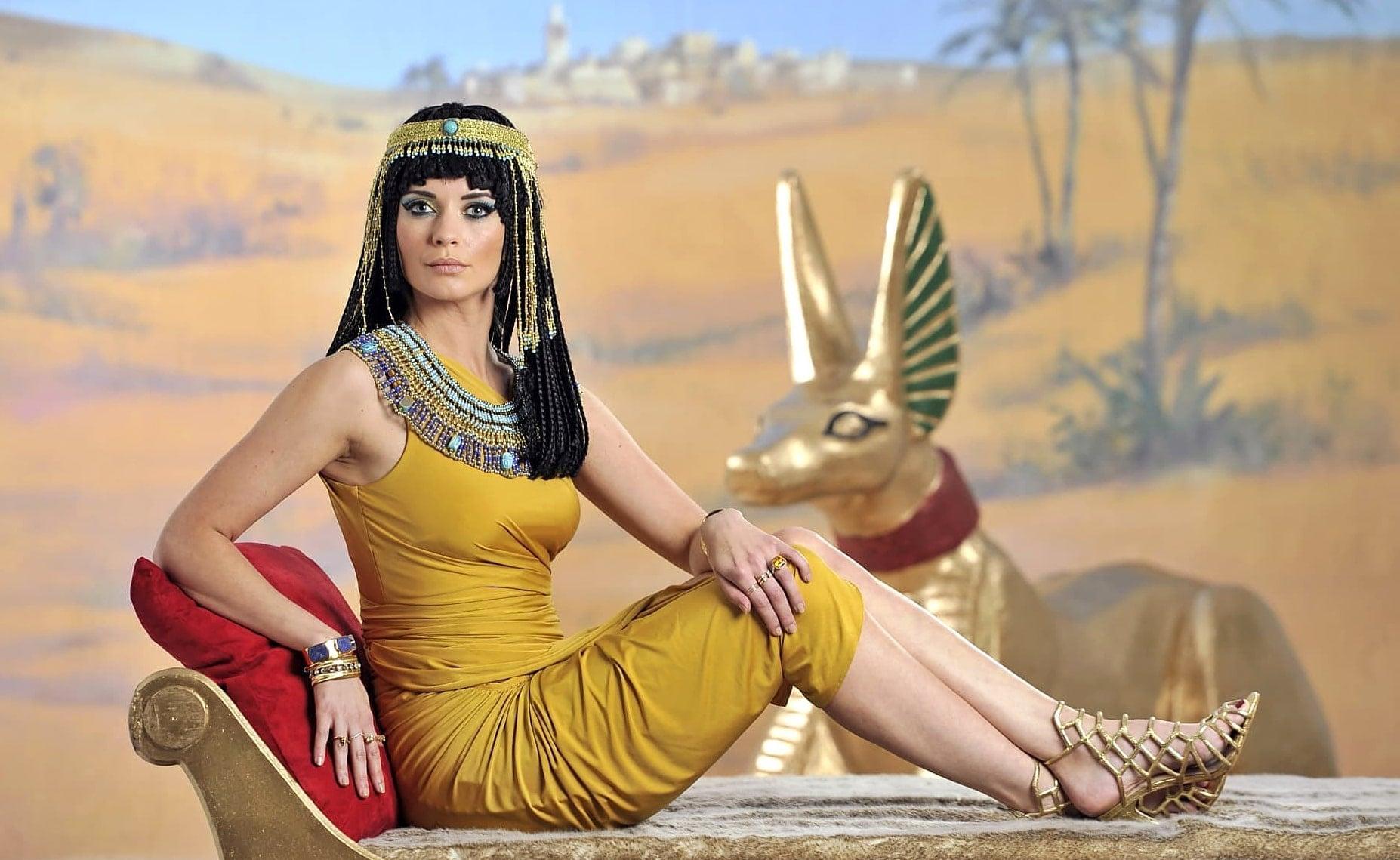 Re`ychel-Rayli-v-roli-Kleopatryi
