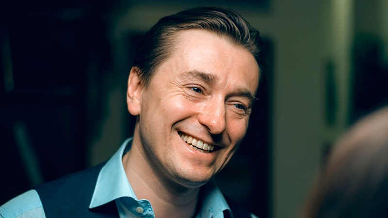 Sergey-Bezrukov-samyie-krasivyie-muzhchinyi