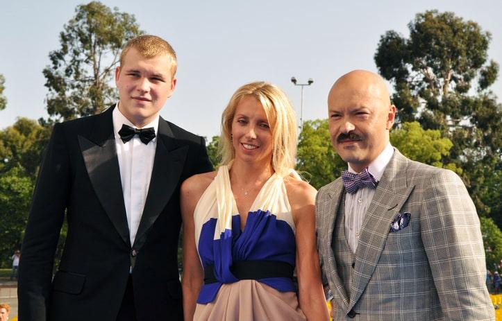 Sergey-Bondarchuk-mladshiy-s-roditelyami