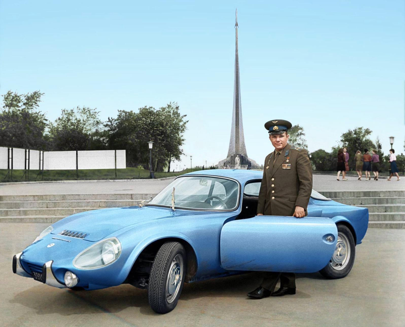 Sportivnyiy-avtomobil-Matra-Djet-kotoryiy-Gagarinu-podarila-frantsuzskaya-kompaniya-Matra-1965