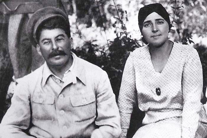 Stalin-i-ego-zhena-Nadezhda-Sergeevna-Allilueva
