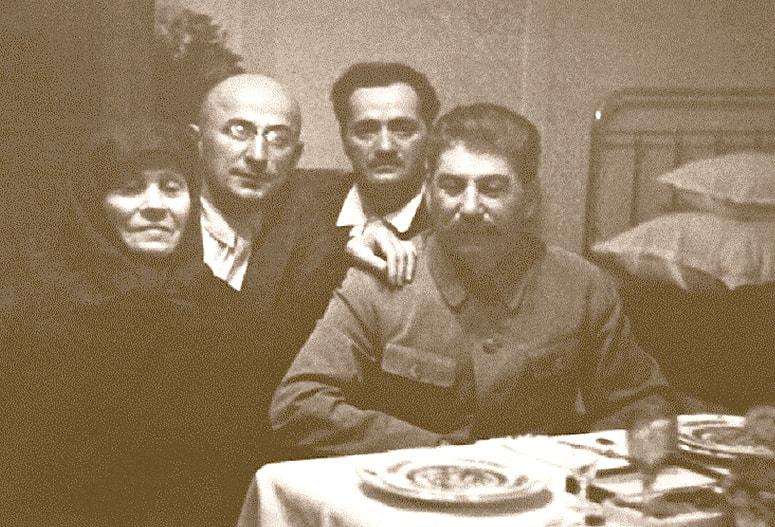 Stalin-s-materyu-Beriey-i-lechashhim-vrachom-Kipshidze