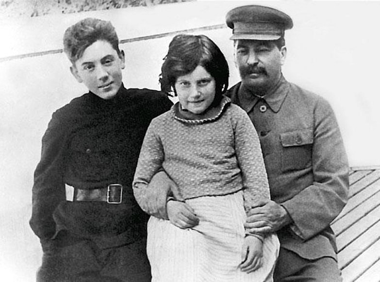 Stalin-so-svoimi-detmi