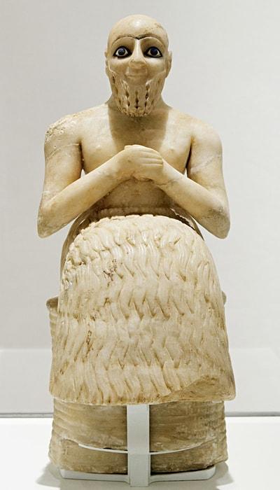 Statuya-24-go-veka