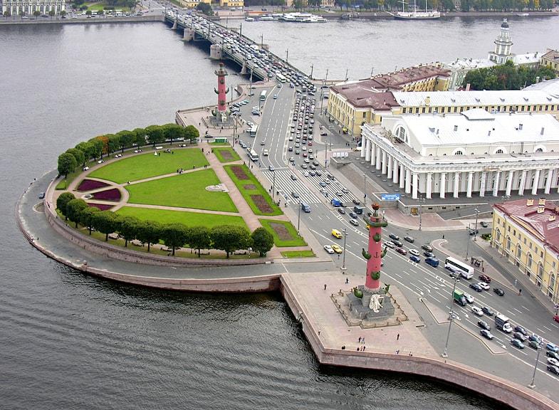 Strelka-Vasilevskogo-ostrova