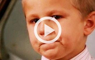 Трогательное видео про сироту