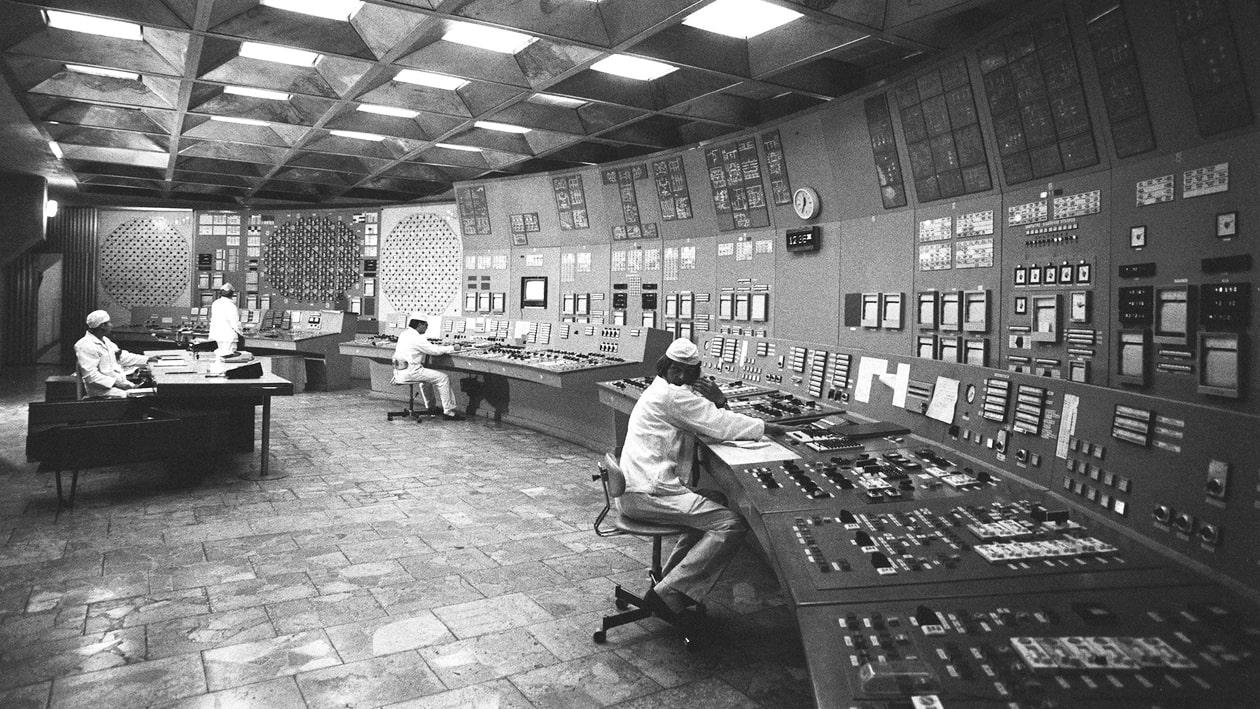 V-pomeshhenii-blochnogo-shhita-upravleniya-e`nergobloka-CHernobyilskoy-atomnoy-e`lektrostantsii