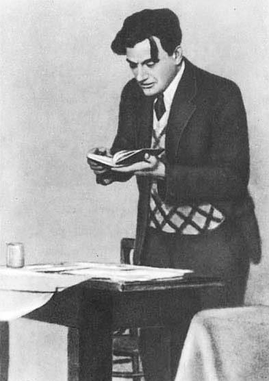 V.-V.-Mayakovskiy-v-1930-godu