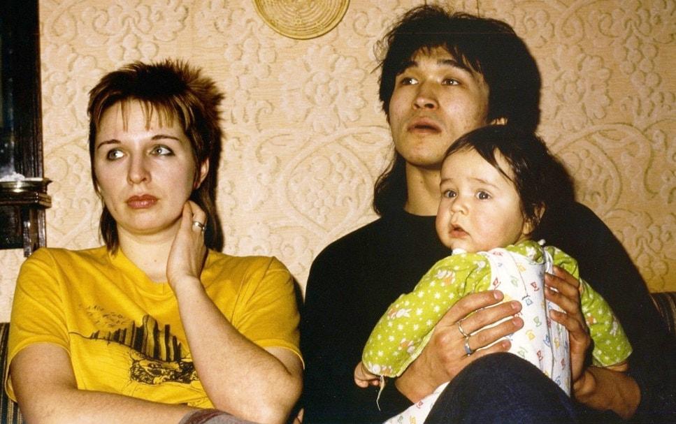 Виктор Цой с женой Марьяной и сыном