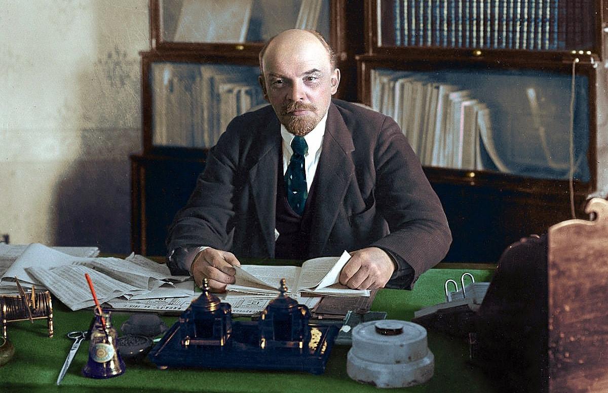 Vladimir-Lenin-2