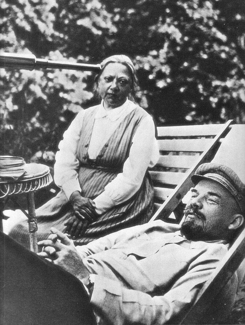 Vladimir-Lenin-i-Nadezhda-Krupskaya-1922-god