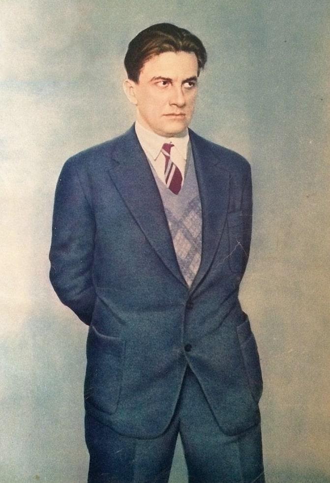 Vladimir-Mayakovskiy-1