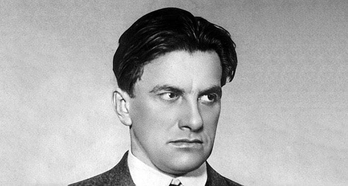 Vladimir-Mayakovskiy-2