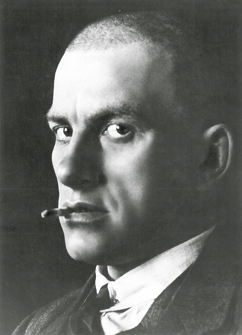Vladimir-Mayakovskiy-7