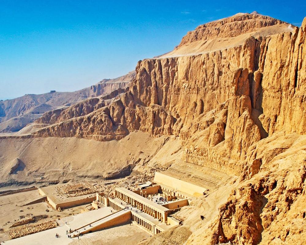 Zaupokoynyiy-hram-Hatshepsut-v-Deyr-e`l-Bahri