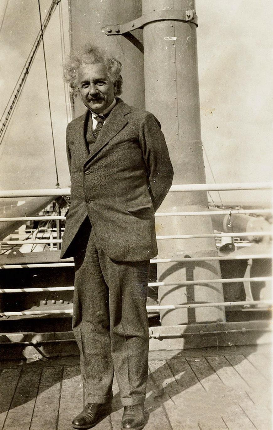 albert-ejnshtejn-v-1931