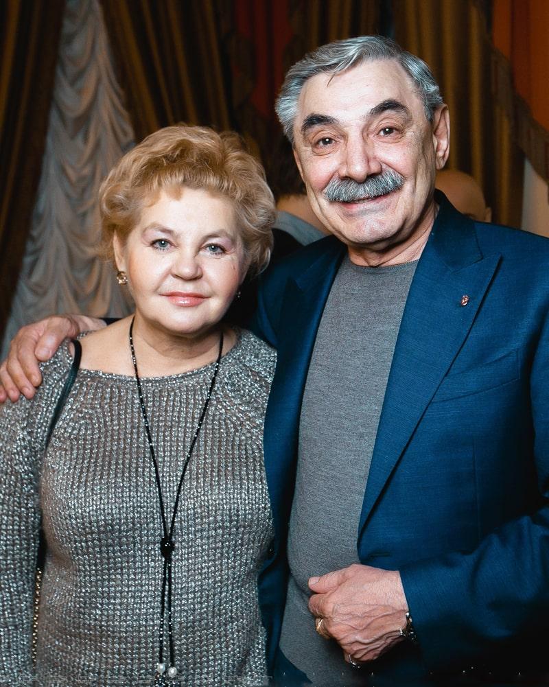 aleksandr-pankratov-chernyj-i-ego-zhena-yuliya
