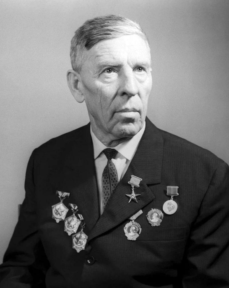 aleksej-stahanov-1