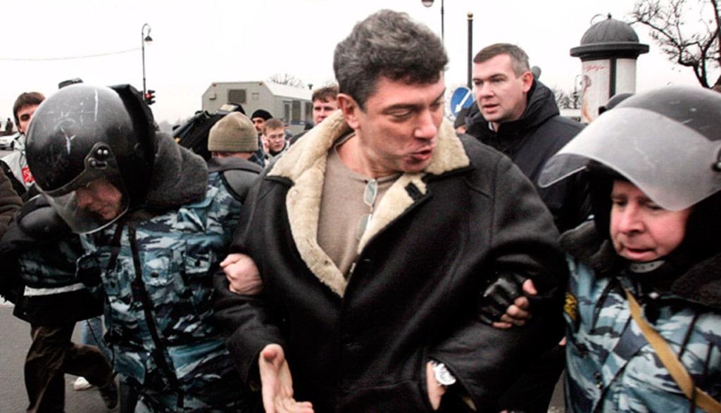 arest-nemczova-na-triumfalnoj-ploshhadi