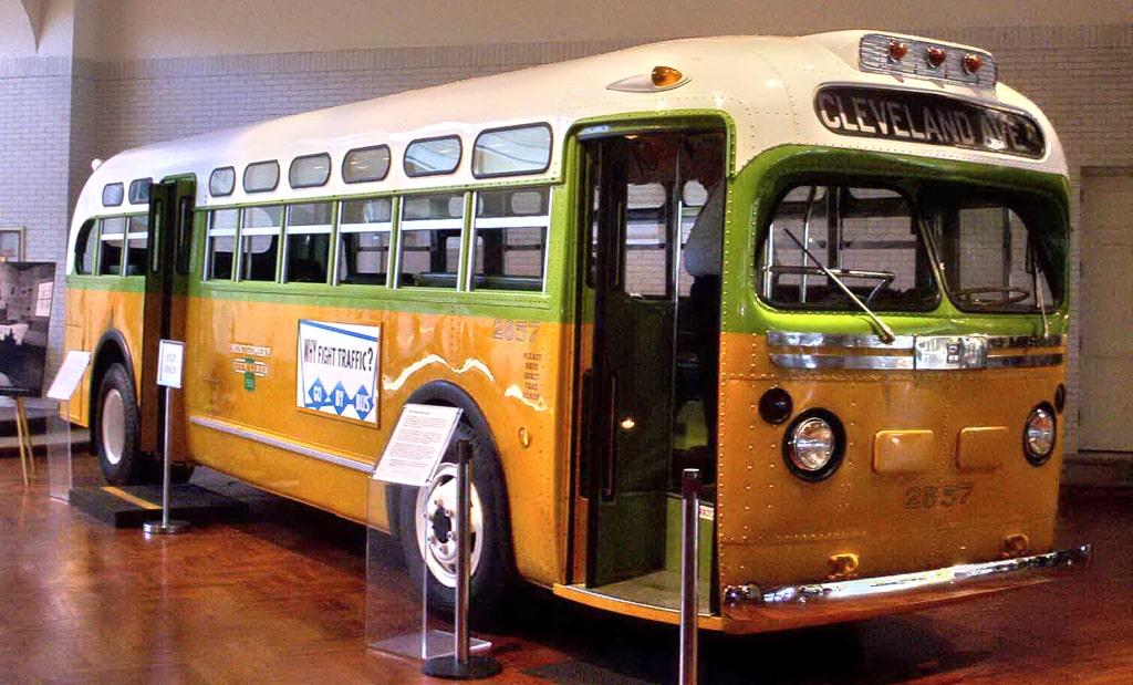 avtobus-v-kotorom-ehala-parks-nyne-vystavlen-v-muzee-genri-forda