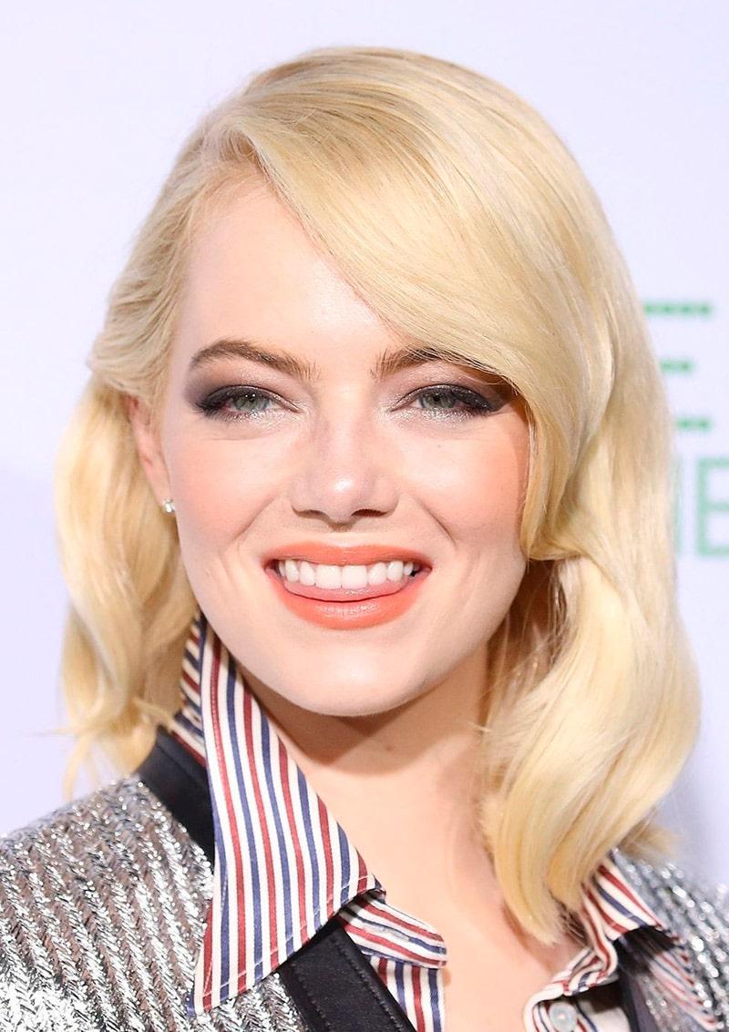 blondinka-emma-stoun