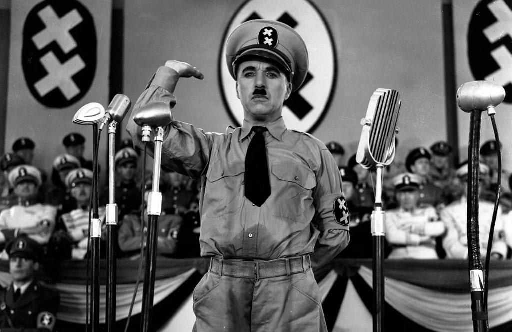 charli-chaplin-v-filme-velikij-diktator
