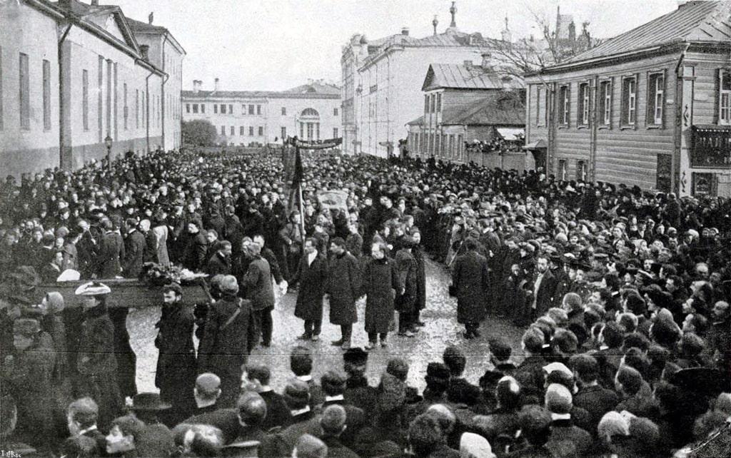 demonstracziya-v-den-pohoron-baumana