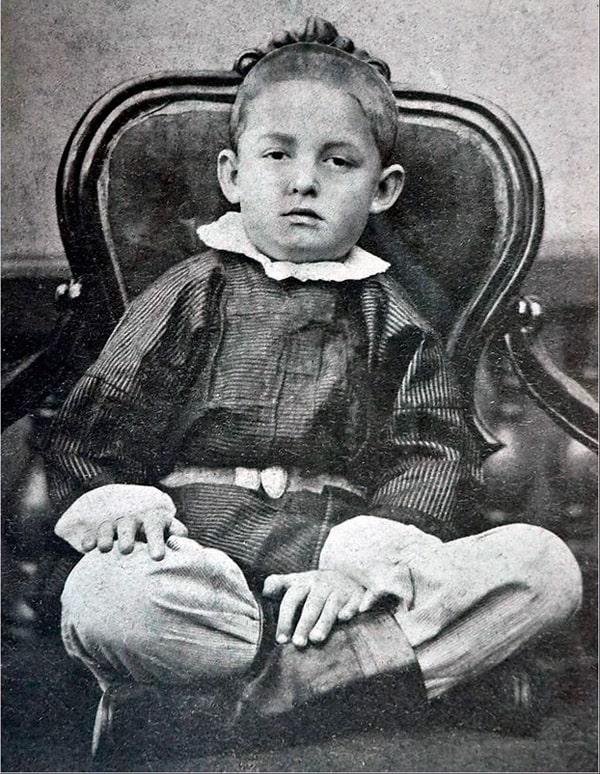 dmitrij-mendeleev-v-detstve
