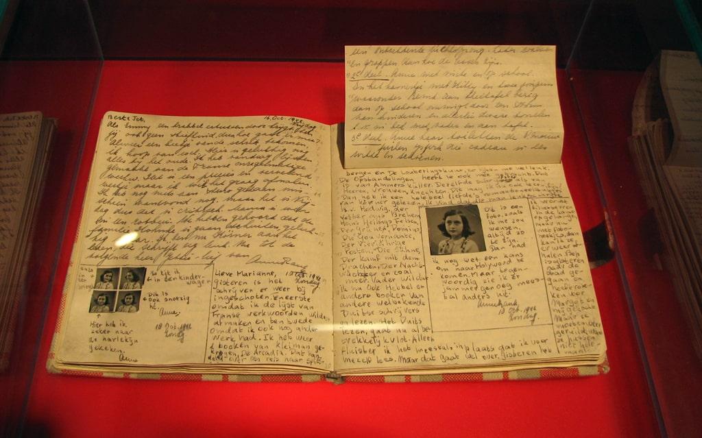 dnevnik-anny-frank-v-muzee-anny-frank-v-berline