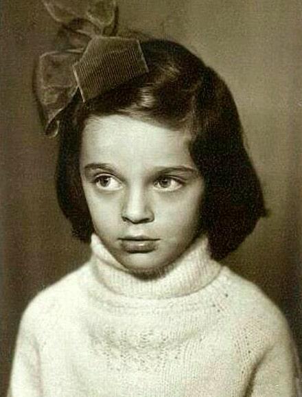 elena-vaenga-v-detstve