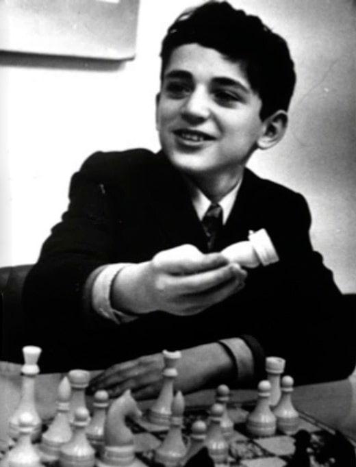 garri-kasparov-v-detstve