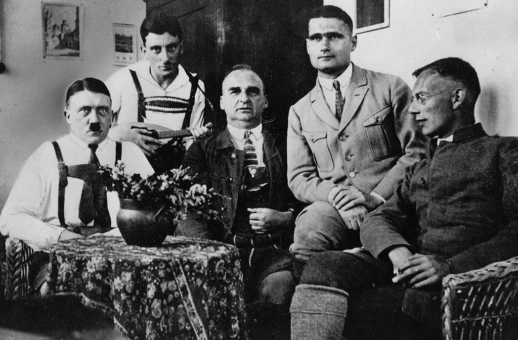 gitler-moris-kribel-gess-veber-tyurma-landsberga-v-1924