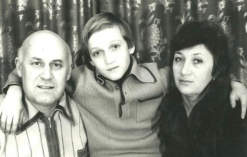 gosha-kuczenko-v-detstve-i-ego-semya