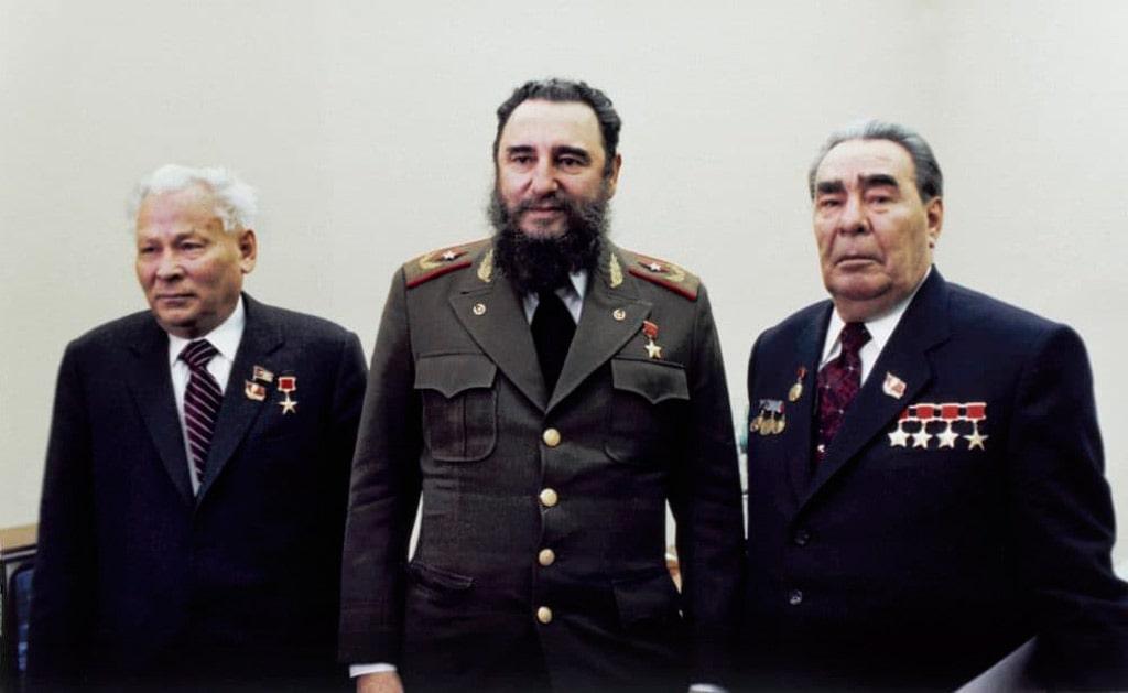 konstantin-chernenko-fidel-kastro-i-leonid-brezhnev