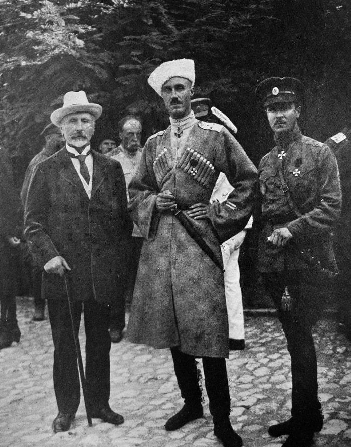 krivoshein-vrangel-i-shatilov-v-sevastopale-1920-g