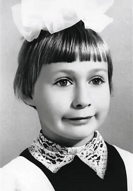mariya-aronova-v-detstve