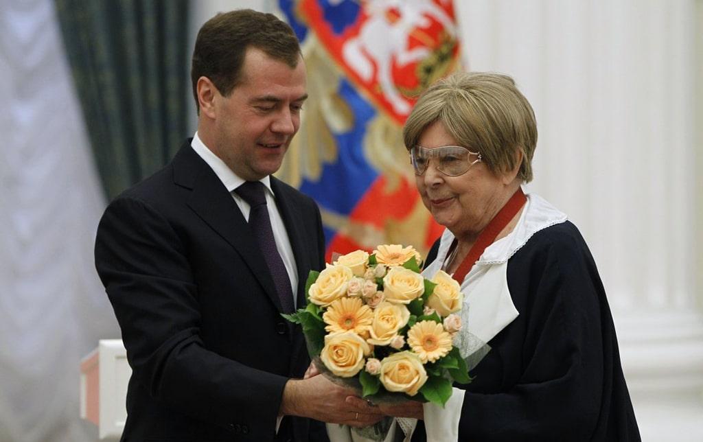 Медведева-и-Ольга-Аросева