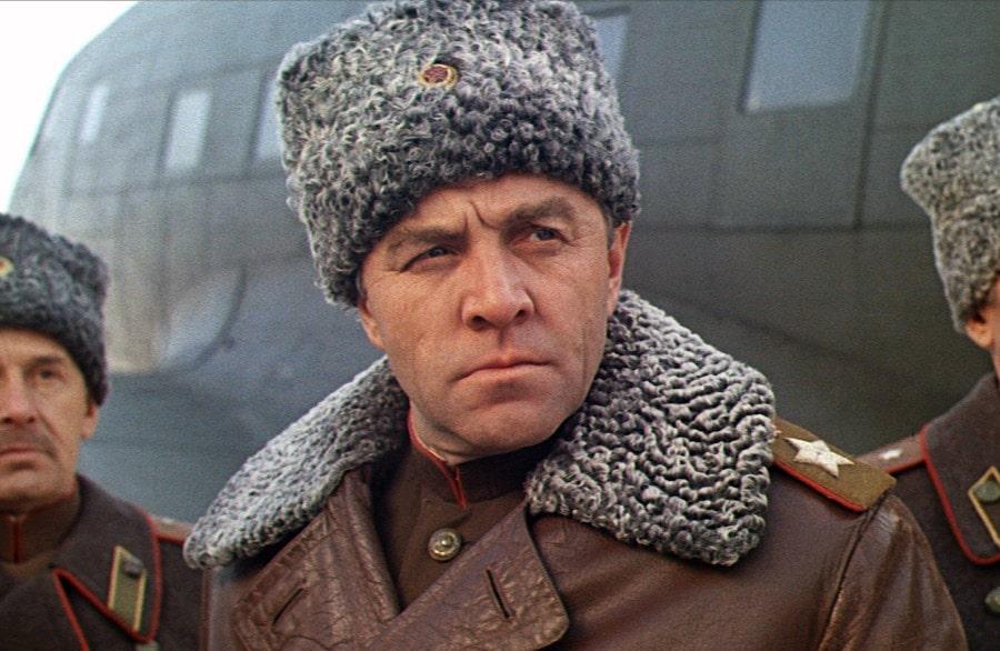 mihail-ulyanov-v-roli-marshala-georgiya-zhukova