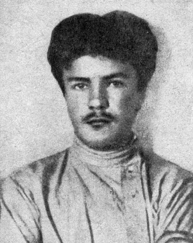 molotov-v-yunosti