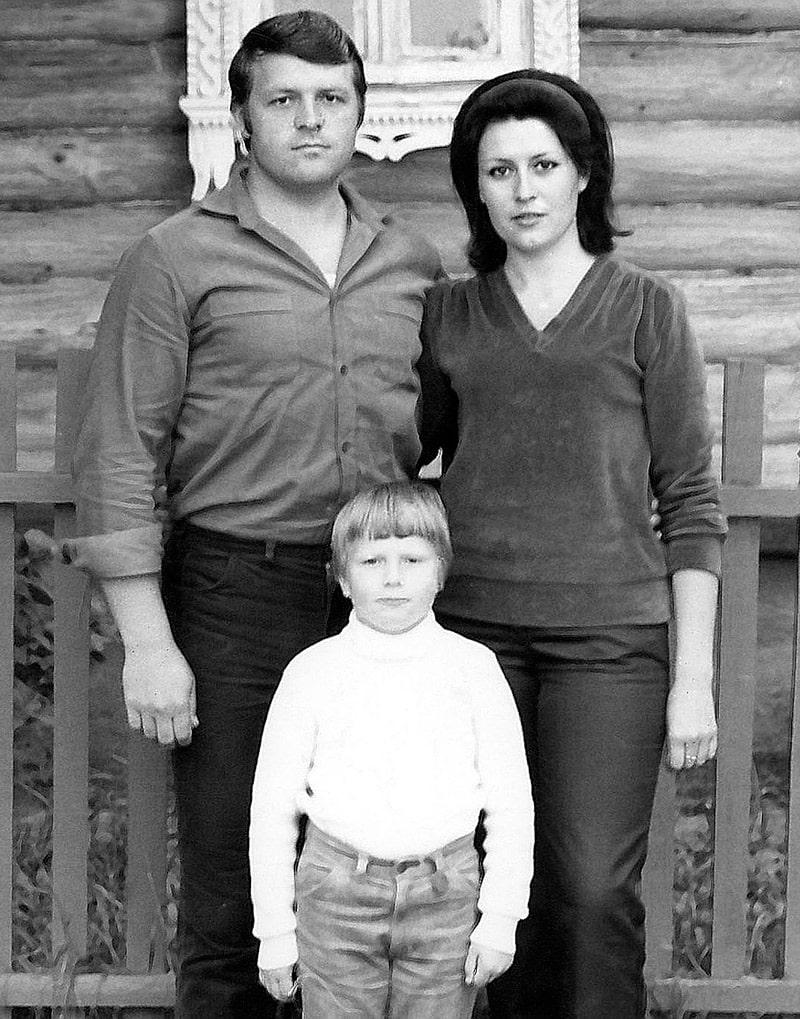 nikolaj-baskov-s-roditelyami